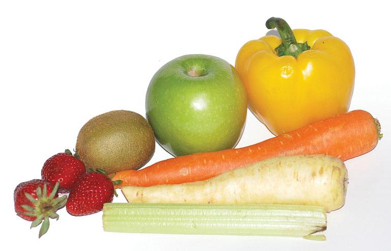 试想一下,如果用推销糖果和薯条的市场营销手段来宣传水果和蔬菜,结果会如何?近日,美国在全国范围内发起了一项鼓励大众消费水果和蔬菜的活动,并且邀请到一些名人为活动做代言,这些名人包括好莱坞著名影星 Jessica Alba、NBA球星Stephen Curry等知名人士。活动于上周四(2月26日)在纽约由非盈利性组织the Partnership of Healthier America (PHA)在其建设一个更健康的未来的年度峰会上宣布正式启动,推广活动取名为FNV,是蔬菜和水果的首字母缩写